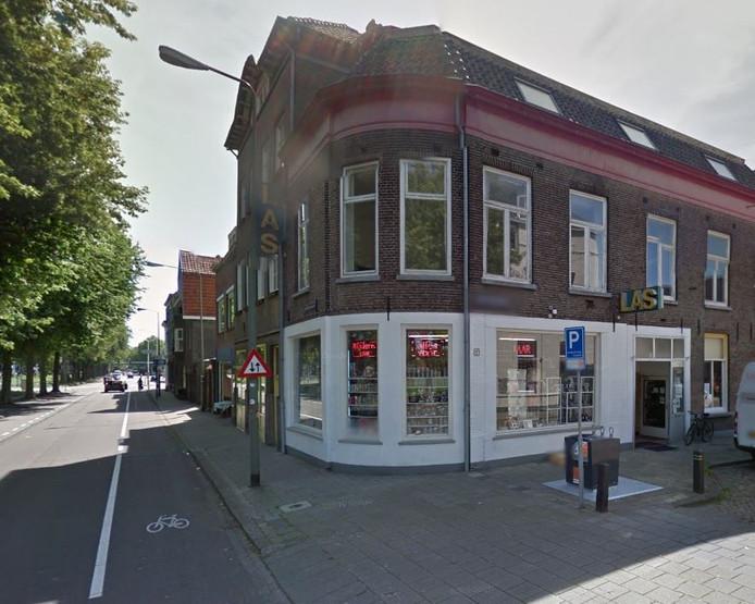 Las is nu nog gevestigd aan de Van Tuldenstraat.