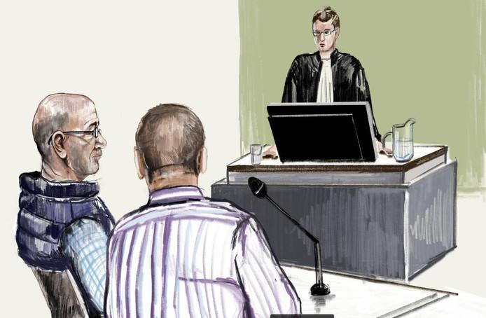 Mimoun H. met zijn advocaat en tegenover hen officier van justitie Wildeman.