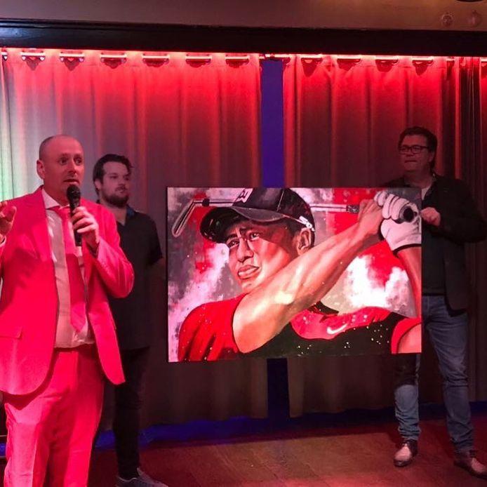 De veiling op de feestavond van de Vrienden van Driene bracht 10.000 euro op voor het Ronald McDonaldhuis in Lieden.