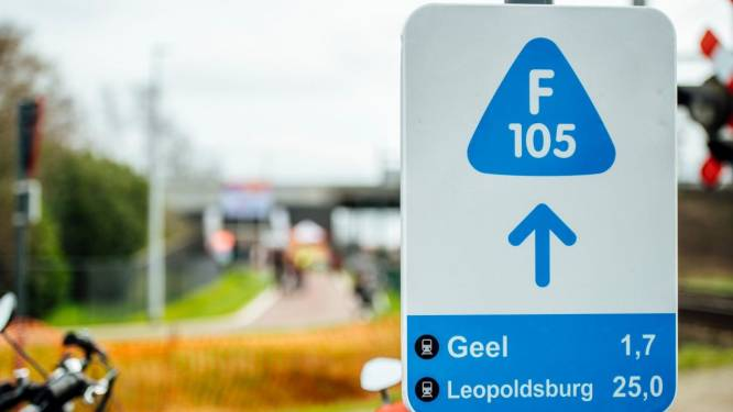 Infomarkt over aanleg fietsostrade tussen Rozenstraat en Kempisch Kanaal