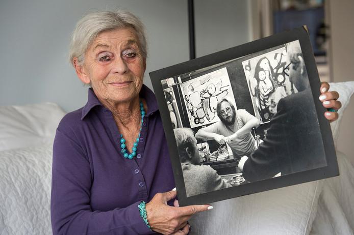 Ria Wijn, met op de foto haar man Jan. Na hun scheiding verongelukte hij in Brazilië.