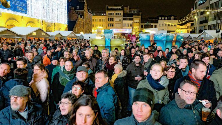 De nieuwjaarsreceptie voor de bevolking van begin 2019, toen op het Schouwburgplein. Veel verschillende nationaliteiten zag je er niet. Daar moet verandering in komen.