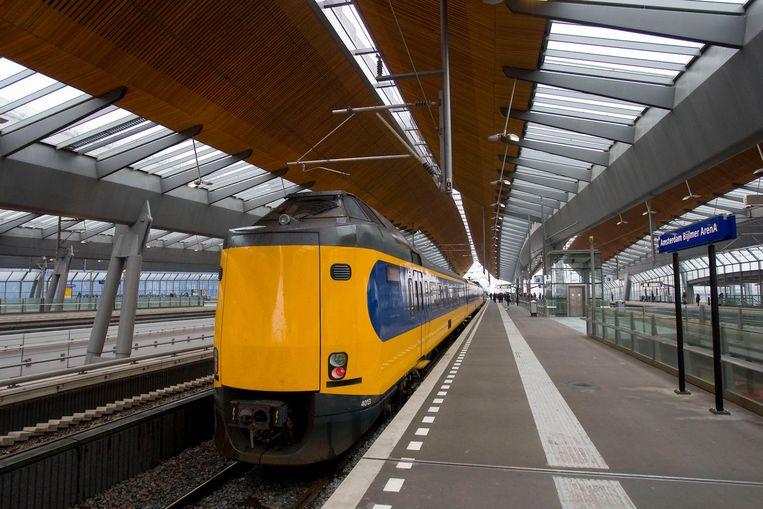 Een trein op Amsterdam Bijlmer Arena Beeld anp