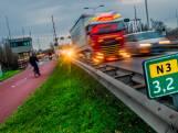 Bewoners Reeweg Oost vrezen voor maanden verkeerschaos door afsluiting Wantijbrug