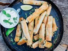 Recept voor bij de borrel: Filodeeghapjes met feta en spinazie