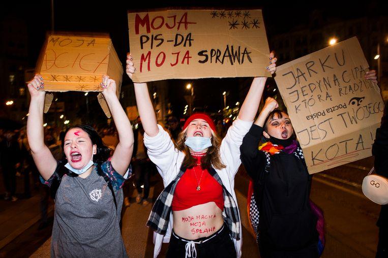 Een demonstratie in Polen tegen de nieuwe abortuswet. Beeld Getty Images