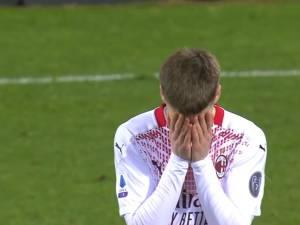 Alexis Saelemaekers exclu... 8 minutes après son entrée au jeu