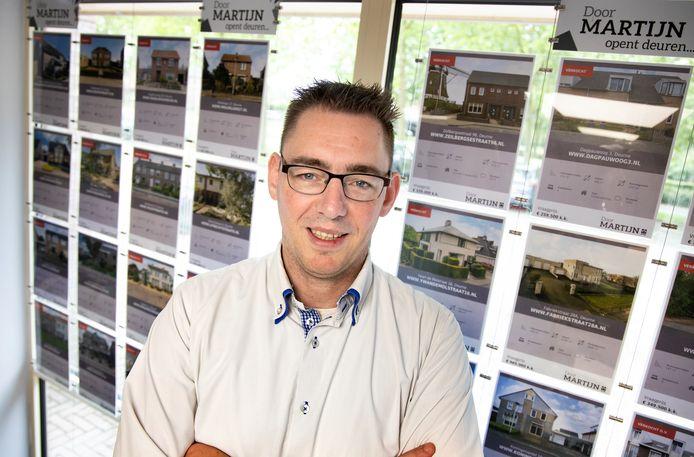 """Makelaar Martijn Lukassen:  ,,Echt stadse situaties hier in Deurne."""""""