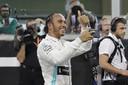 Lewis Hamilton is vrij om te praten met Ferrari.
