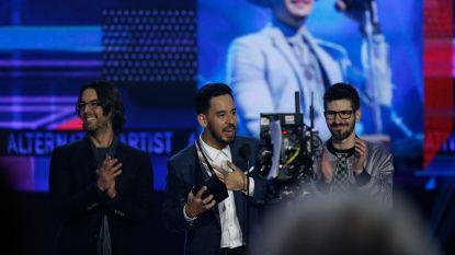 """""""Laten we Chester trots maken"""": Linkin Park draagt Music Award op aan overleden zanger"""
