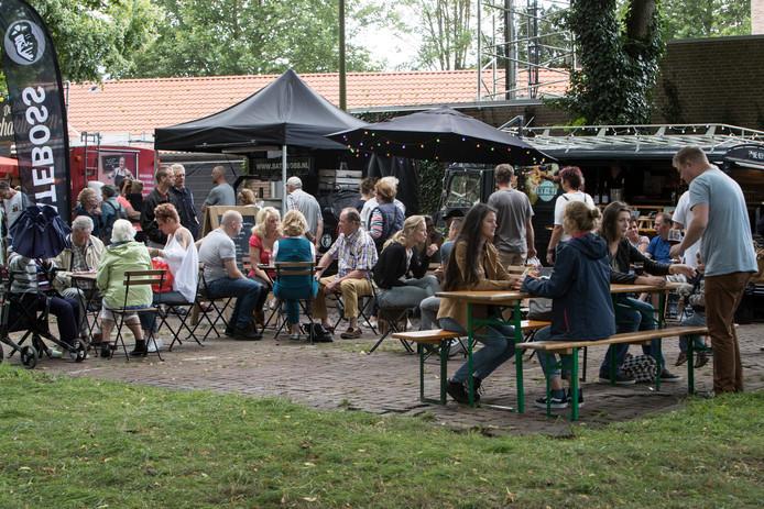 Geen Foodwall dit jaar in Zutphen. Tijdens eerdere edities werd er op grote schaal gesmikkeld op de Houwal.