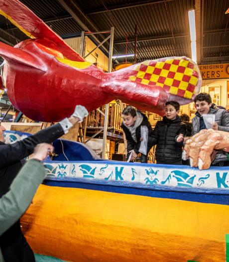 Wooow, wat worden die carnavalswagens in Tilburg hoog!