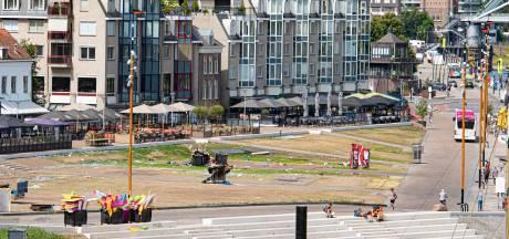 Groene Waalkade kleurt bruin na Vierdaagsefeesten
