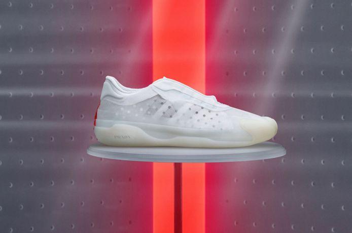 Het eerste beeld van de nieuwste samenwerking tussen sportgigant Adidas en modehuis Prada.