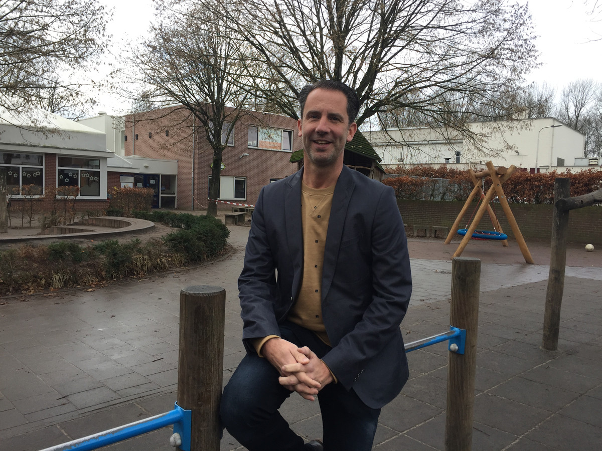 Directeur Roel Paridaans van Rennevoirt.