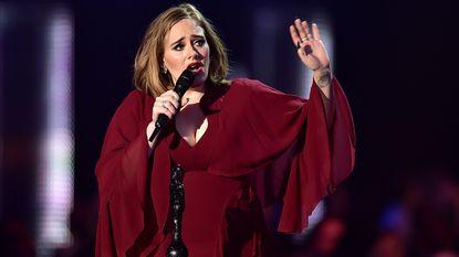 Adele gaat misschien nooit meer op tour