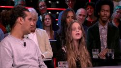 Blinde Floor (18) ontroert heel Nederland met lied voor overleden vriendin
