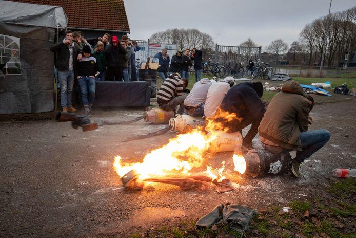 Verhitte gemoederen zijn tot bedaren gebracht door het nieuwe beleid rond carbidschieten, constateert burgemeester Bort Koelewijn tevreden. Het Schuttersgilde speelt volgens hem daarbij een prominente rol.