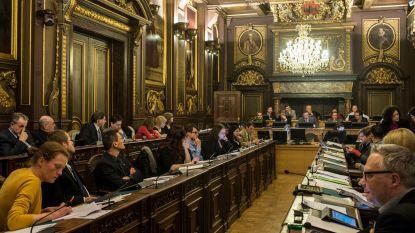 """""""8 burgemeesters, 296 schepenen, 107 gemeente- en 700 OCMW-raadsleden minder vanaf 2019"""""""