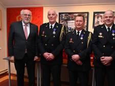 Onderscheidingen voor jubilerende brandweermannen in Oeffelt