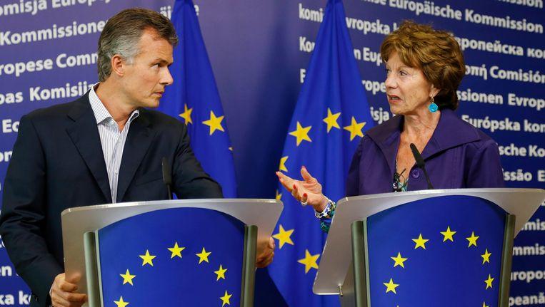 Van Thillo en Kroes, vandaag tijdens een groots opgezet forum over de toekomst van de media in het Europees Parlement. Beeld null