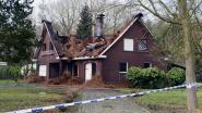 Huis onbewoonbaar na zware dakbrand