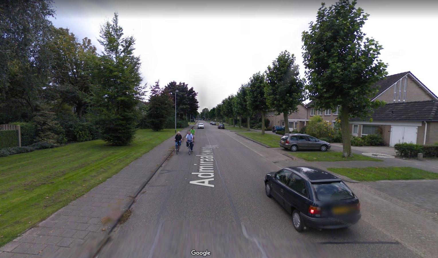 Een deel van de Admiraalsweg in Drunen. De gemeente Heusden wil de weg een grote opknapbeurt geven, maar het geld ontbreekt nog.