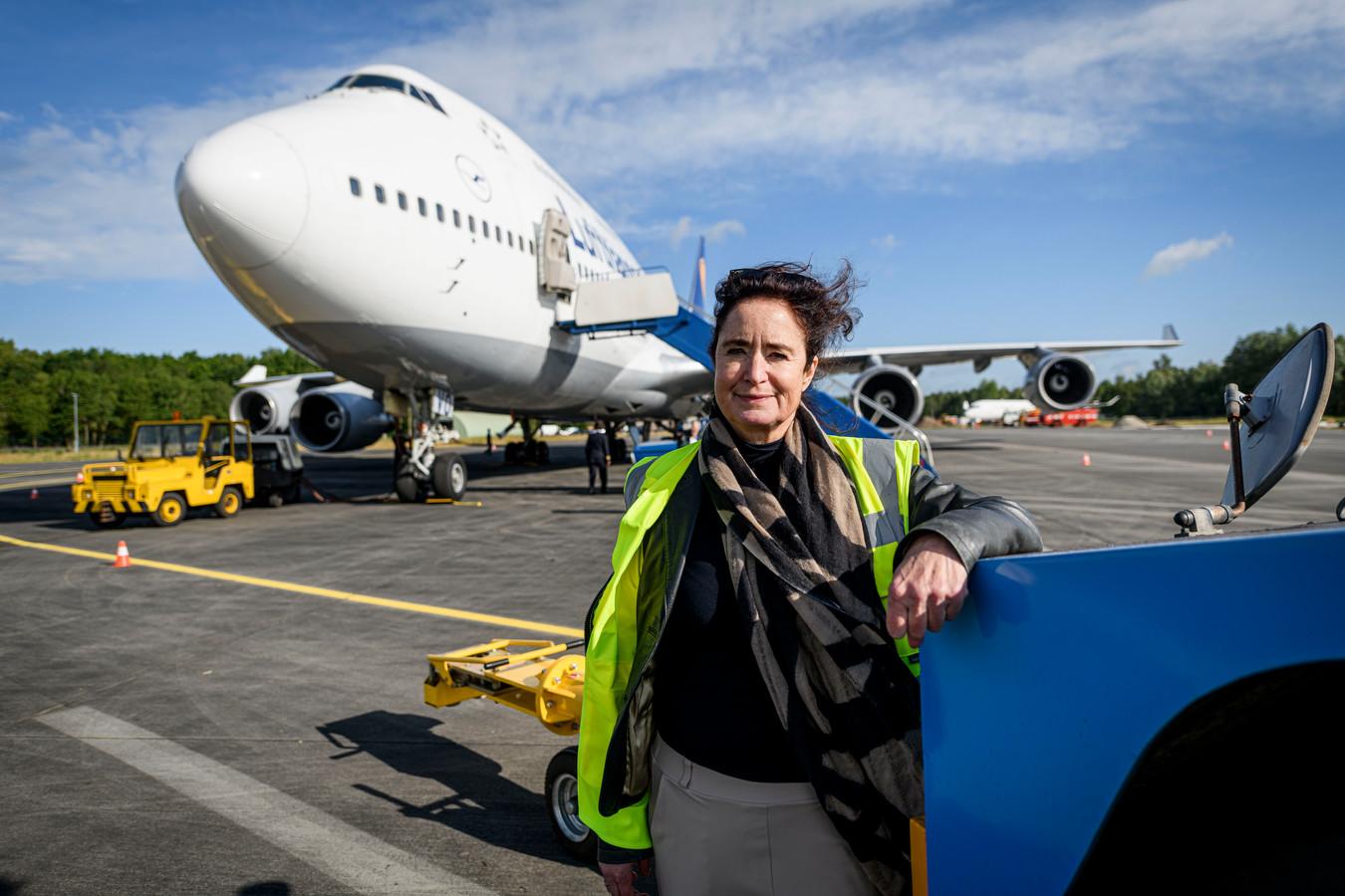 Directeur Meiltje de Groot van Twente Airport was in juni opgetogen over de eerste Boeings op Twente. Het markeerde het begin van een centrum voor vliegtuigonderhoud.