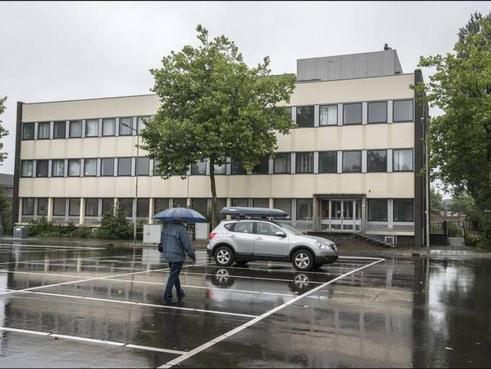 Het belastingkantoor aan het Europaplein waar de Lidl zou komen. Foto Theo Peeters