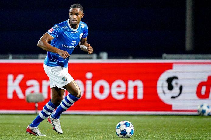 Brem Soumaoro in actie in het shirt van FC Den Bosch.