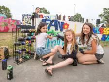 Goese jeugd met graffiti in de weer op sportpark Het Schenge