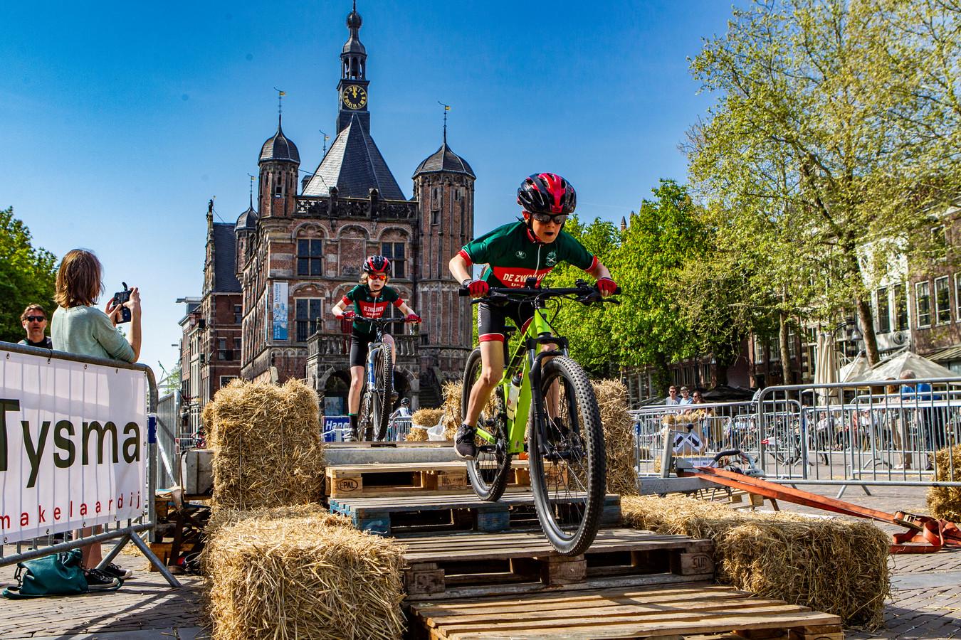 De Ronde van Vedett, een van de vele cultuurevenementen waardoor Deventer stijgt op de ranglijst.