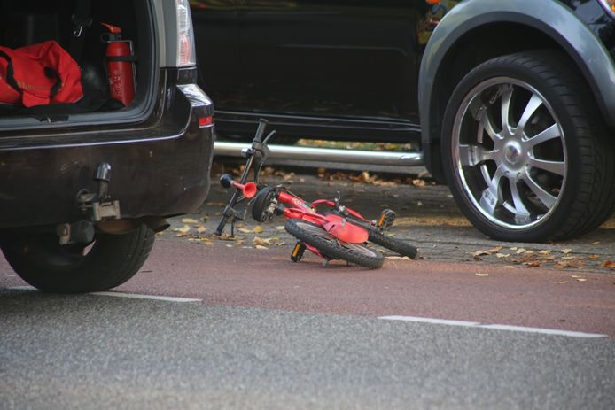 De fiets van het jongetje