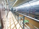 Deel gevangenis Almelo op kop gezet na liquidatiebrief aan verdachte viervoudige moord