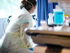 Dik 11.000 besmettingen, maar ziekenhuisbezetting stabiel: piek najaarsgolf lijkt in zicht