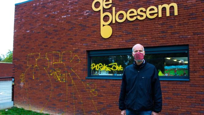 """Vandalen besmeuren nieuwbouw basisschool De Bloesem met graffiti: """"Een geslachtsdeel tekenen op een school, erg volwassen..."""""""