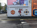 The George Best Mural in de wijk Sandy Row in Belfast