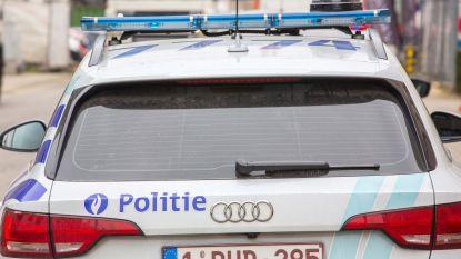 Tips van buurtbewoners helpen politie twee mogelijke inbrekers arresteren
