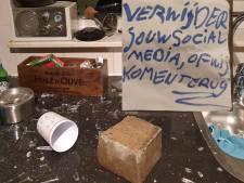 Baksteen door ruit bij journalist Chris Klomp: 'Laffe actie'