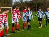 Hercules en FC De Bilt vriendschappelijk op het veld: 'Je moet het spelletje spelen met plezier en respect'