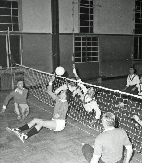 Zitvolleyballen voor militaire oorlogsslachtoffers. Wie was in 1959 de beste in Eindhoven?