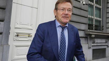 Ontslagnemende Van Overtveldt (N-VA) heeft recht op 450.000 euro en gaat een deel aan goede doel afstaan