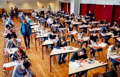 De laatste dag: 387 keer Spaans, 14 maal Arabisch, 1 examen Russisch