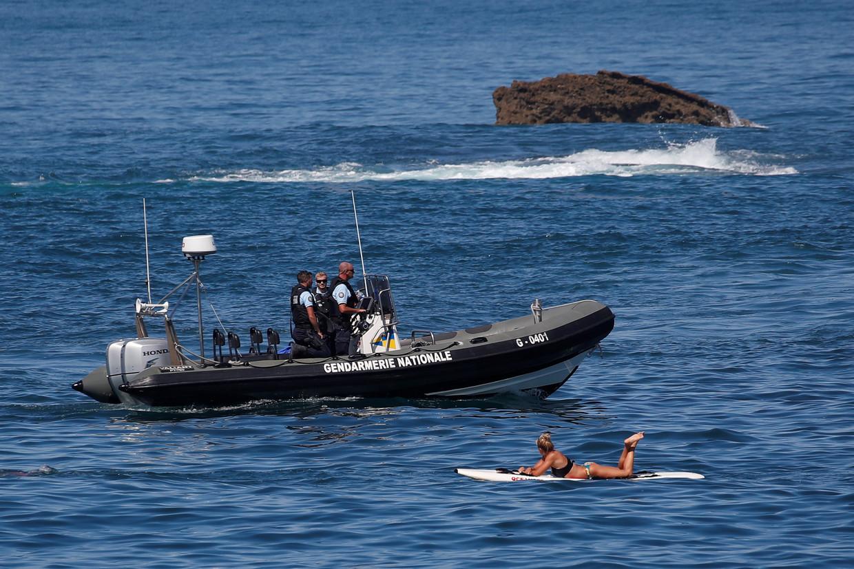 Ook in de Golf van Biskaje houden militairen de wacht voor de G7.
