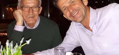 Ontroerend: Arcade op uitvaart overleden vader Cornald Maas: 'Dat kon voor mij niet anders'