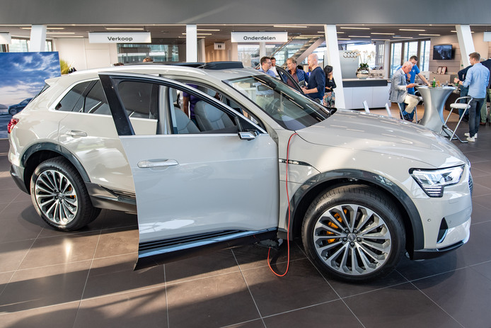 Allereerste Elektrische Audi Voor Een Dag In Hengelo Hengelo