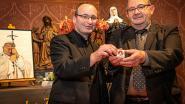 Dadizele heeft er opmerkelijke troef bij: Vaticaan schenkt haar van paus Johannes Paulus II aan basiliek
