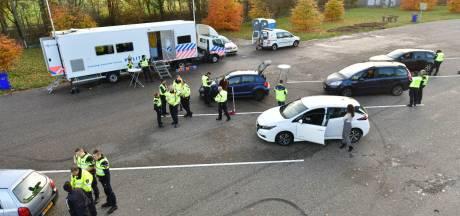 Twee aanhoudingen en verschillende boetes uitgedeeld bij grote politiecontrole tussen Eindhoven en Helmond