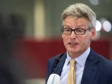 Burgemeester Bolsius mogelijk langer geïsoleerd na klachten echtgenote: 'Bij een positieve test keert hij nog niet terug'
