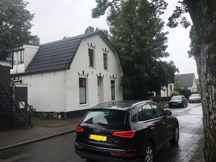 De gemeente Apeldoorn maakte - ten onrechte, zegt de Raad van State nu - een einde aan de illegale kamerverhuur in dit pand aan de Langeweg.